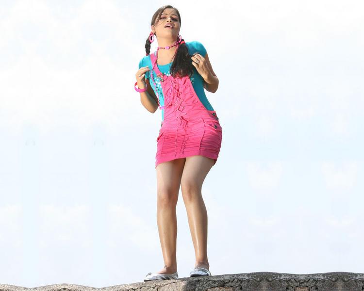 Navneet Kaur mini dress cute picture