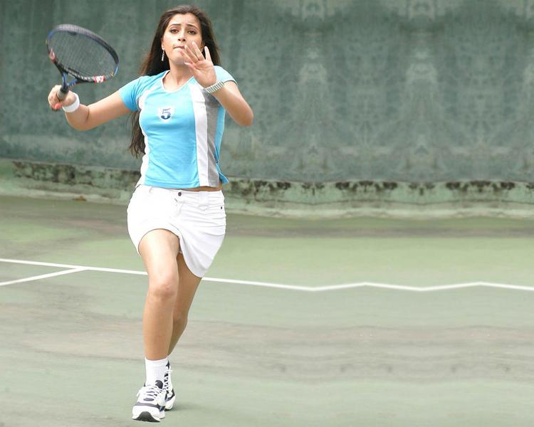 Navneet Kaur playing pic