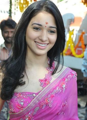 Tamanna Bhatia pink saree beauty still