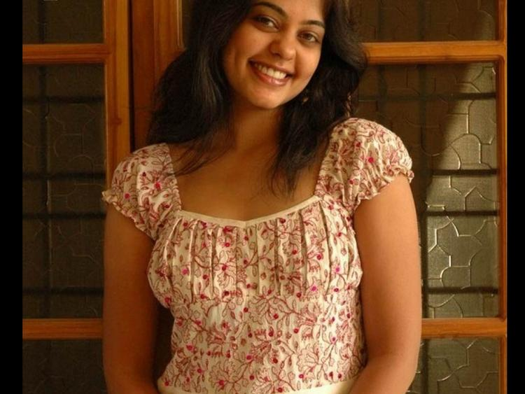 Bindu Madhavi cute hot photo shoot