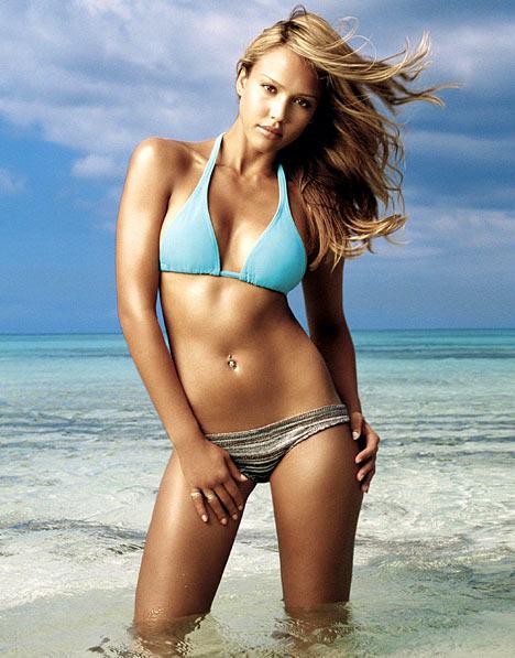 Jessica Alba sexy navel show in bikini