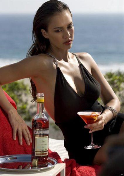Hot jessica alba black hot dress still