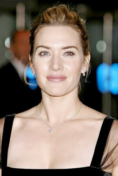 Kate Winslet glorious wallpaper