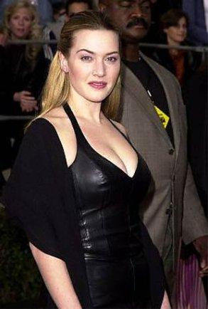 Kate Winslet with black color dress sexy boob show