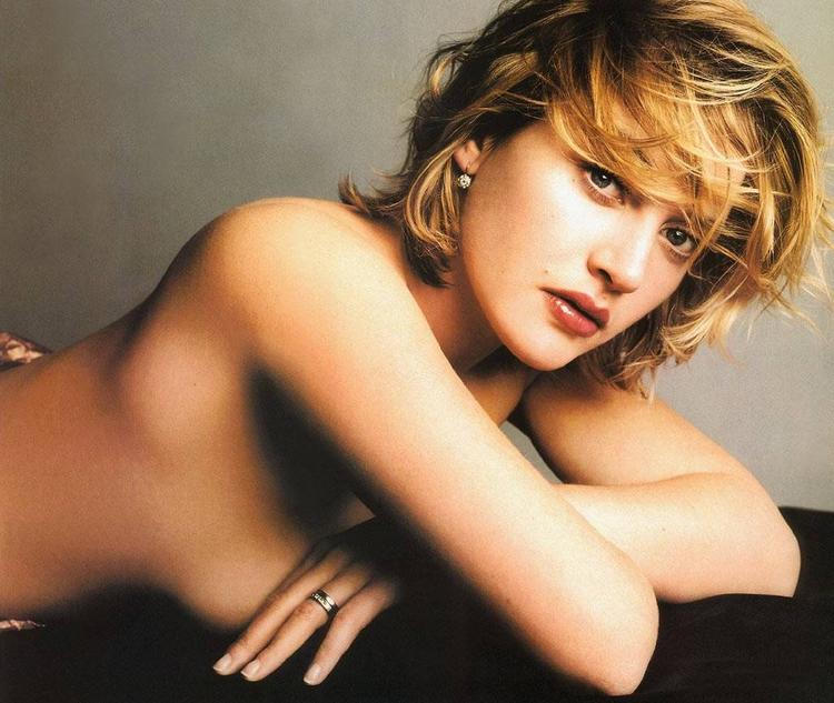 Kate Winslet without dress wallpapper