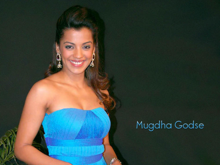 Spicy Mugdha Godse sleeveless dress wallpaper