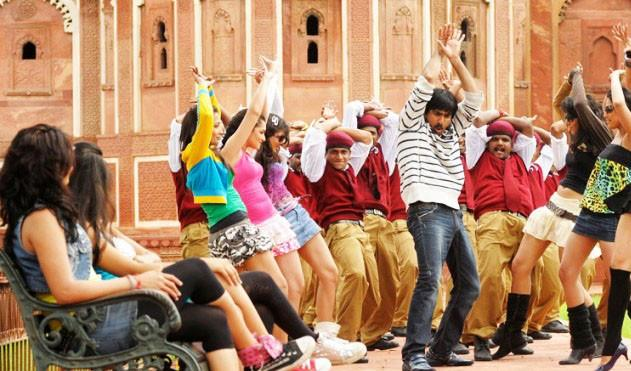 Ravi Teja Mirapakaya movie song stills