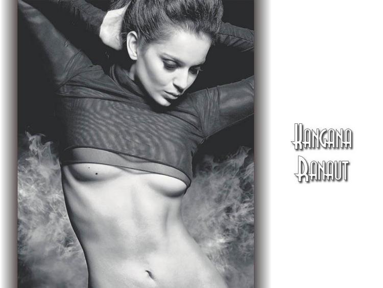 Kangana Ranaut sexy boob show wallpaper