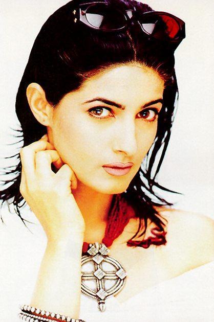 Twinkle Khanna hot stylist wallpaper