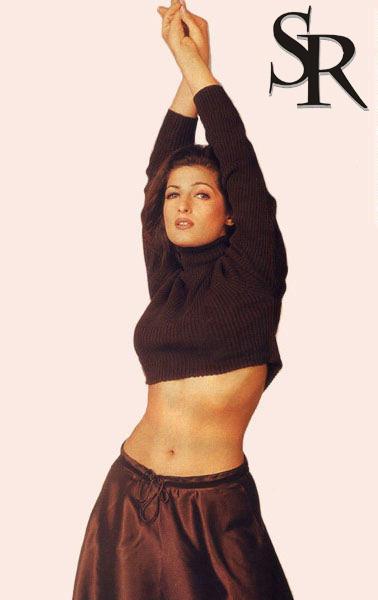 Twinkle Khanna hot navel pic
