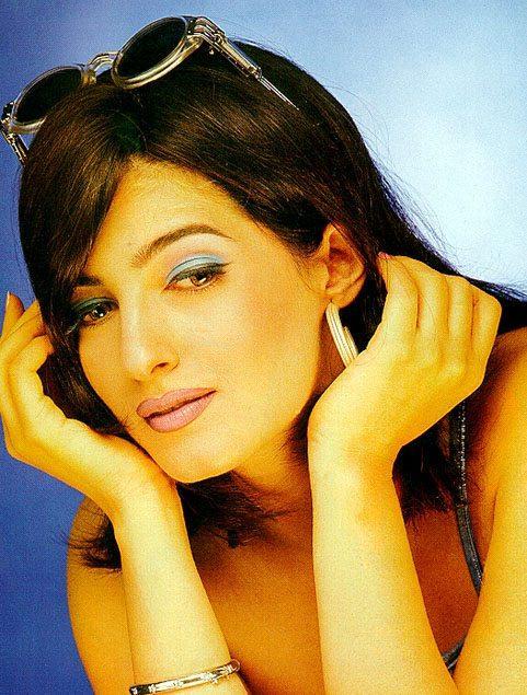Twinkle Khanna stylist wallpaper