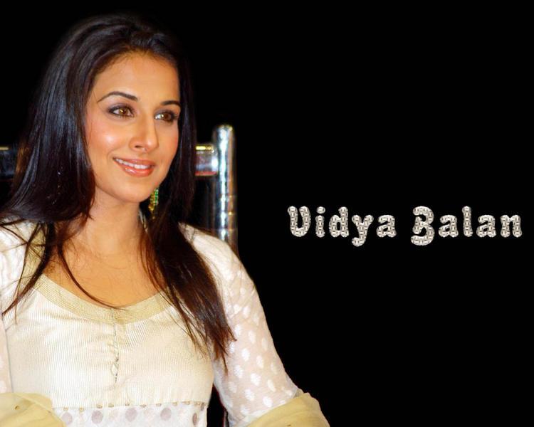 Vidya Balan glamour still