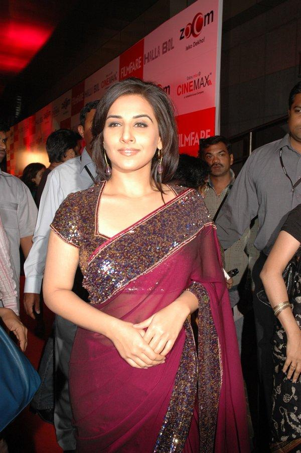Vidya Balan looking gorgeous in saree