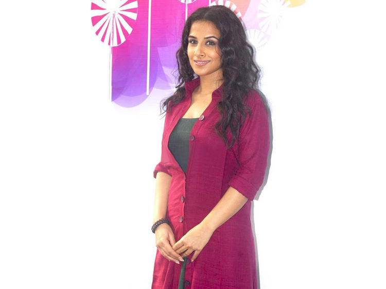 Sweety Vidya Balan curly hair still