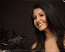 Anushka Sharma open smile wallpaper