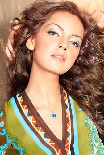 Shazahn Padamsee glamourous photo shoot