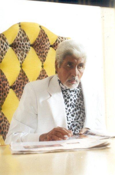 Amitabh Bachchan white hair still