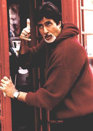 Amitabh Bachchan action stilll