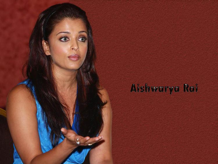 Aishwarya Rai close up pic wallpaper