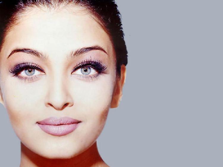 Aishwarya Rai sexy eyes wallpaper