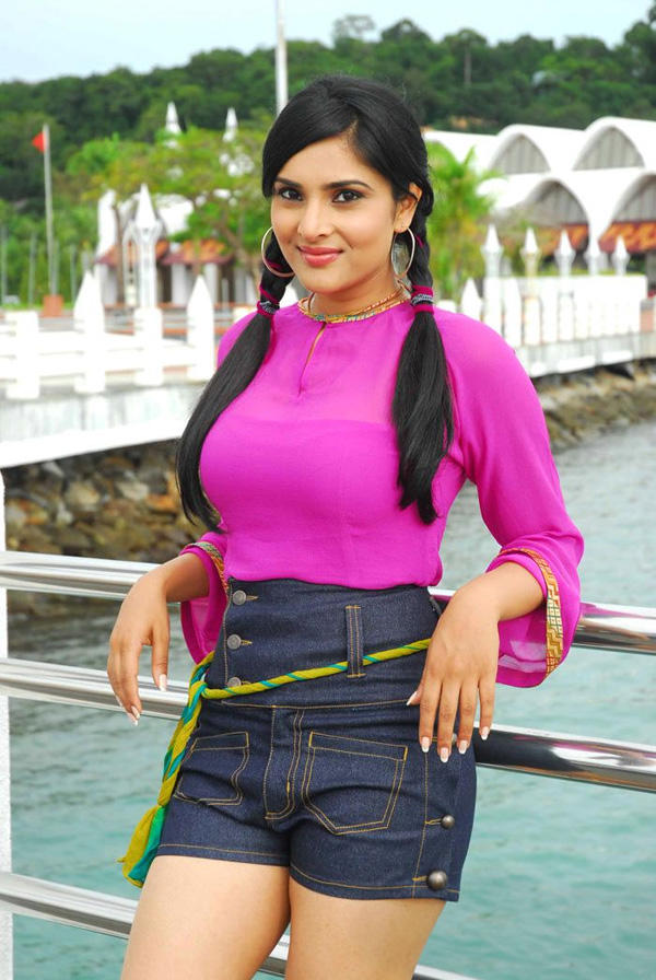 Ramya mini dress still in Kichcha Huchcha