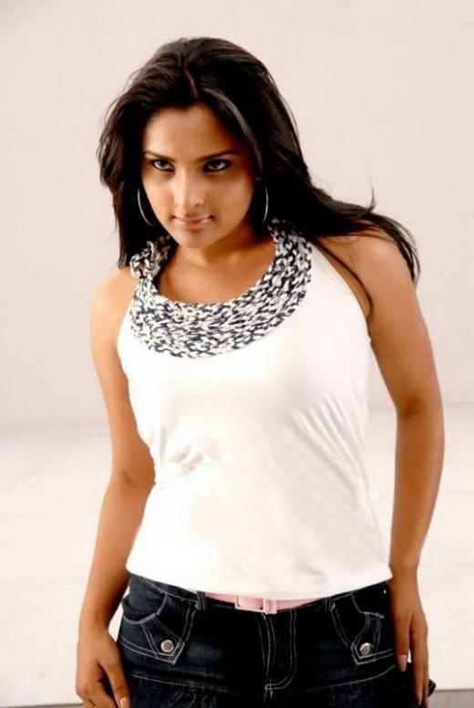 Ramya spicy look images