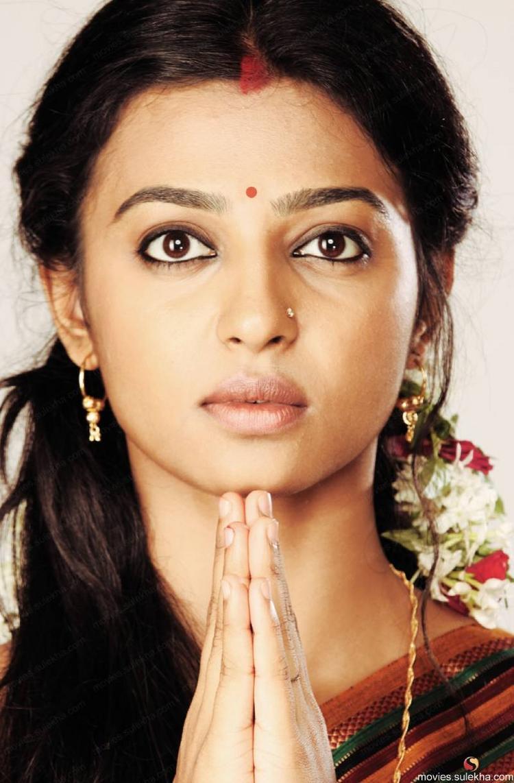 Rakta Charitra heroine Radhika Apte hot photos