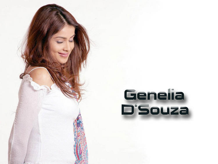 Glorious Genelia D'Souza cute wallpaper