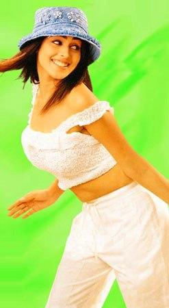 Genelia D'Souza white dress sexy navel pic