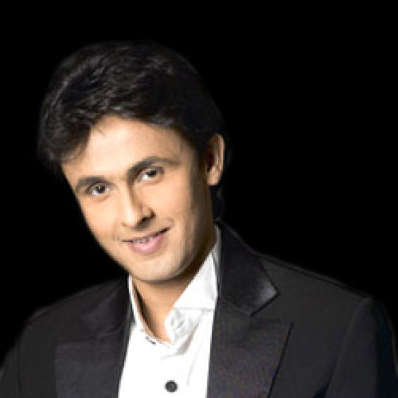 Sonu Nigam with sweet smile pics