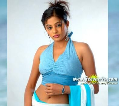 Priyamani sexy and spicy look