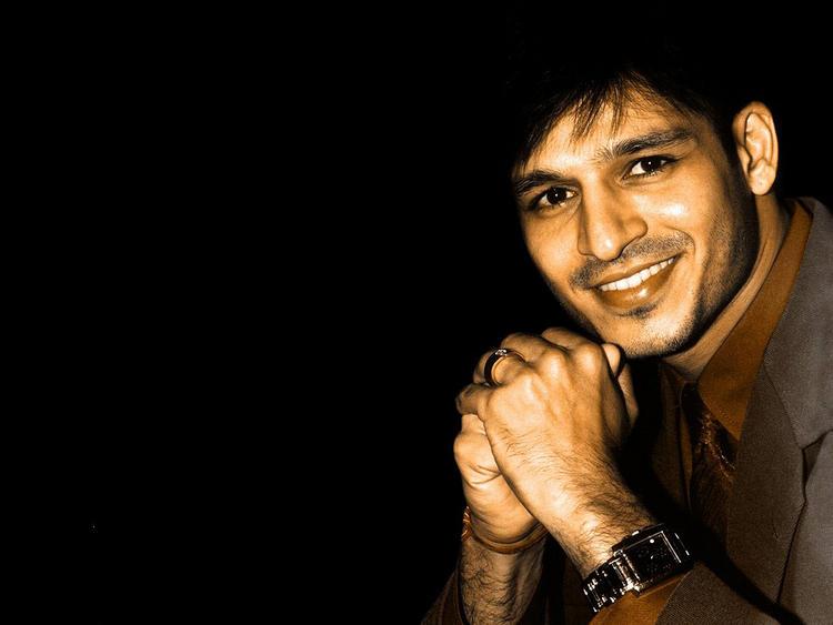 Vivek Oberoi Cool Smile photo  wallpaper