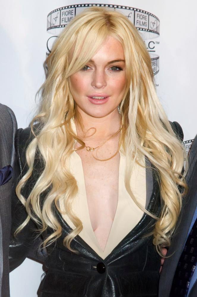 Lindsay Lohan long hairstyle pic
