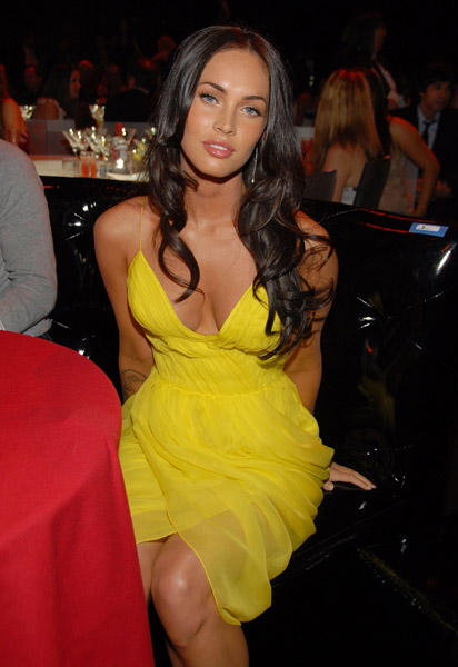 Megan Fox yellow color dress hot photo
