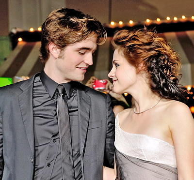 kristen stewart  and robert pattinson romance pics