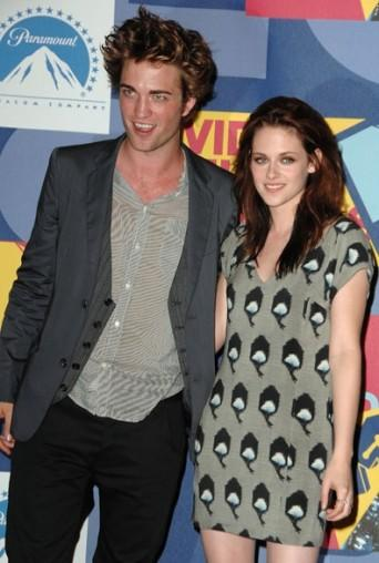 Robert pattinson and kristen stewart mini dress still