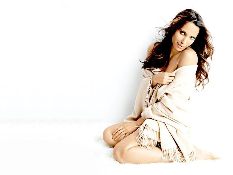 Sizzles Padma Lakshami sexy look
