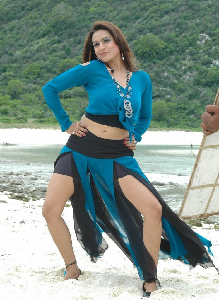 Aditi Agarwal Spicy navel Beach Stills