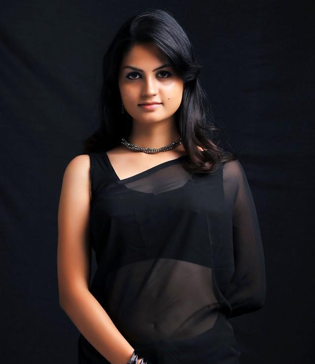 Beautiful Madhulika awesome look in saree