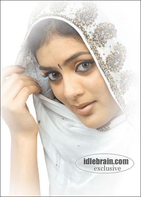 Parvati Melton saree wallpaper