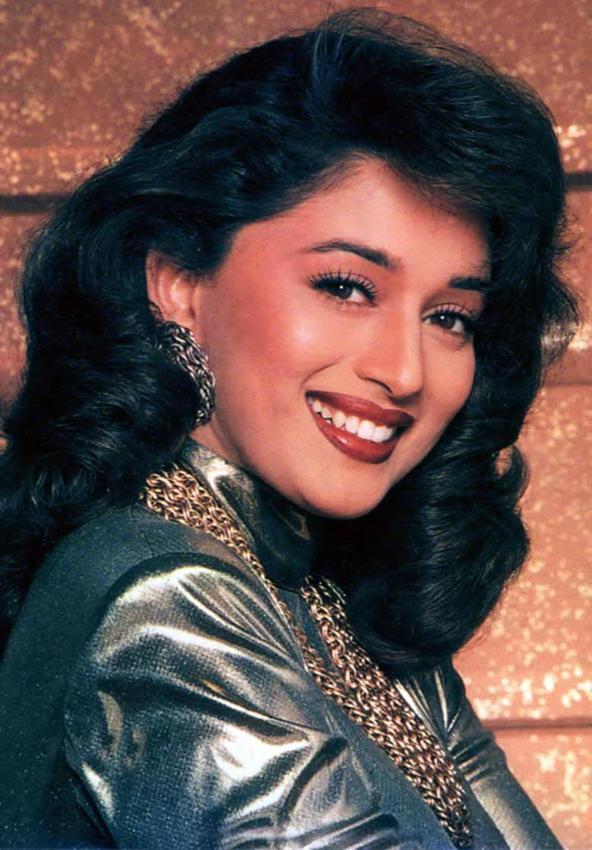 Bollywood Queen Madhuri Dixit wallpaper