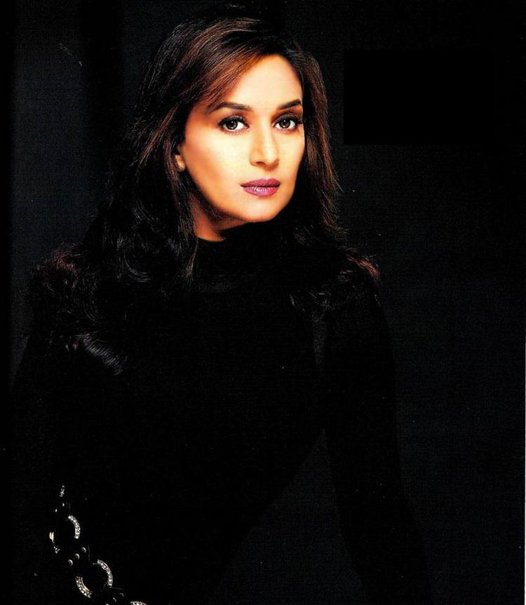 Madhuri Dixit angry look wallpaper