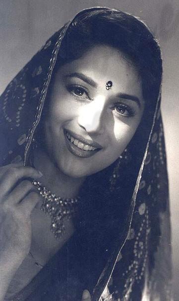 Sweet Madhuri Dixit in saree wallpaper