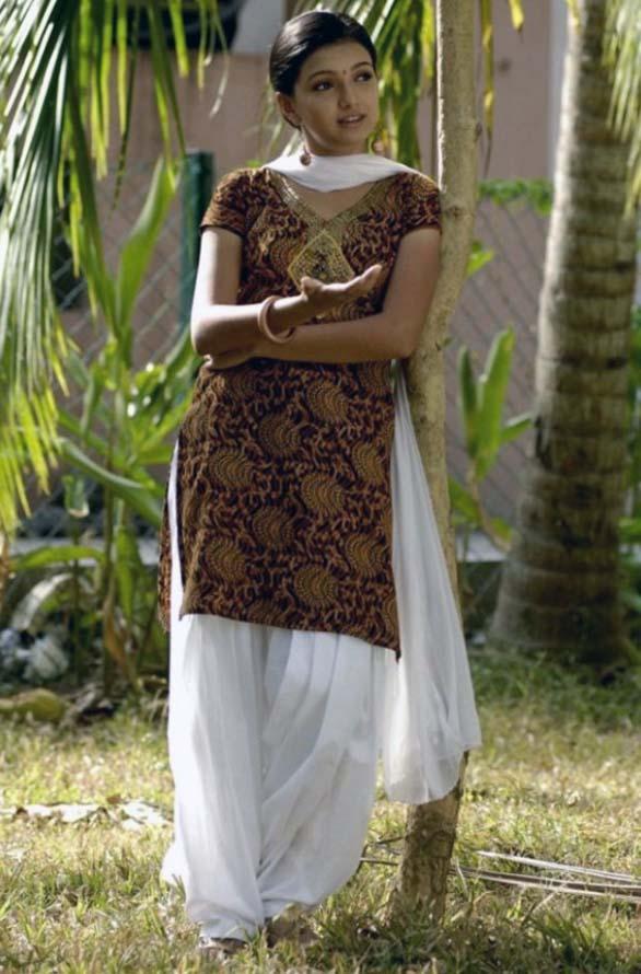 Cute young actress Saranya Mohan still