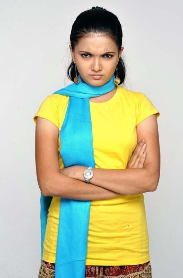 Saranya Mohan latest cute still