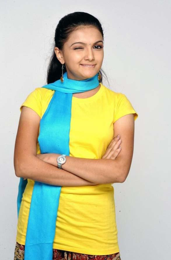 Saranya Mohan latest cute sweet still