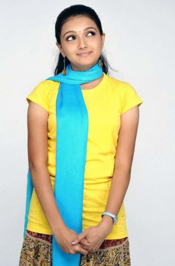 Saranya Mohan amazing still