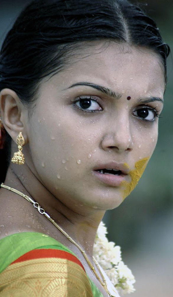 Saranya Mohan shocked photo