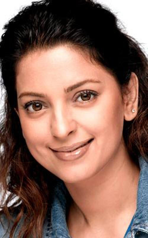 Juhi Chawla hot face look wallpaper