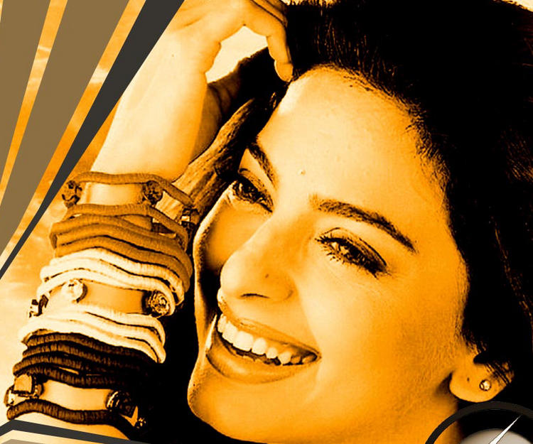 Juhi Chawla gorgeous wallpaper